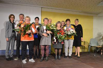 Glückwünsche zum Dienstjubiläum für Mitarbeiterinnen und Mitarbeiter bei Regens Wagner Zell